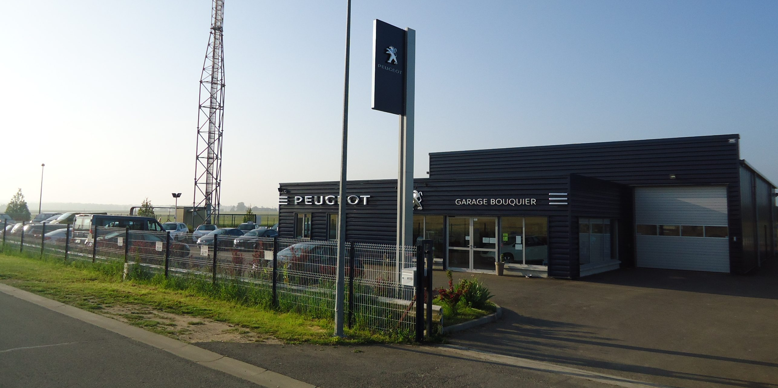 Garage bouquier agent peugeot chatillon coligny for Garage opel orleans